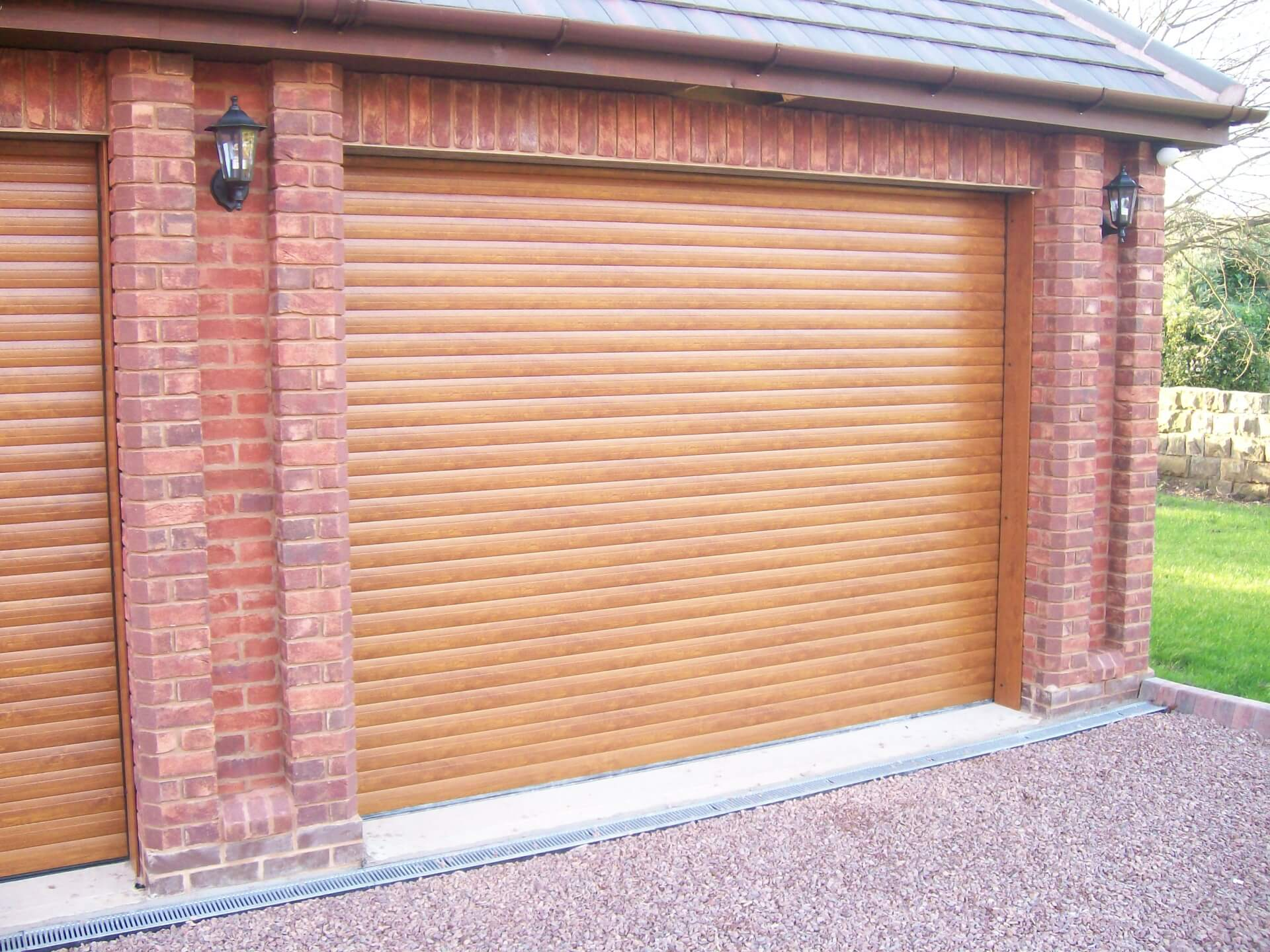 Premier garage doors insulated roller shutters drs premier for Premier garage doors